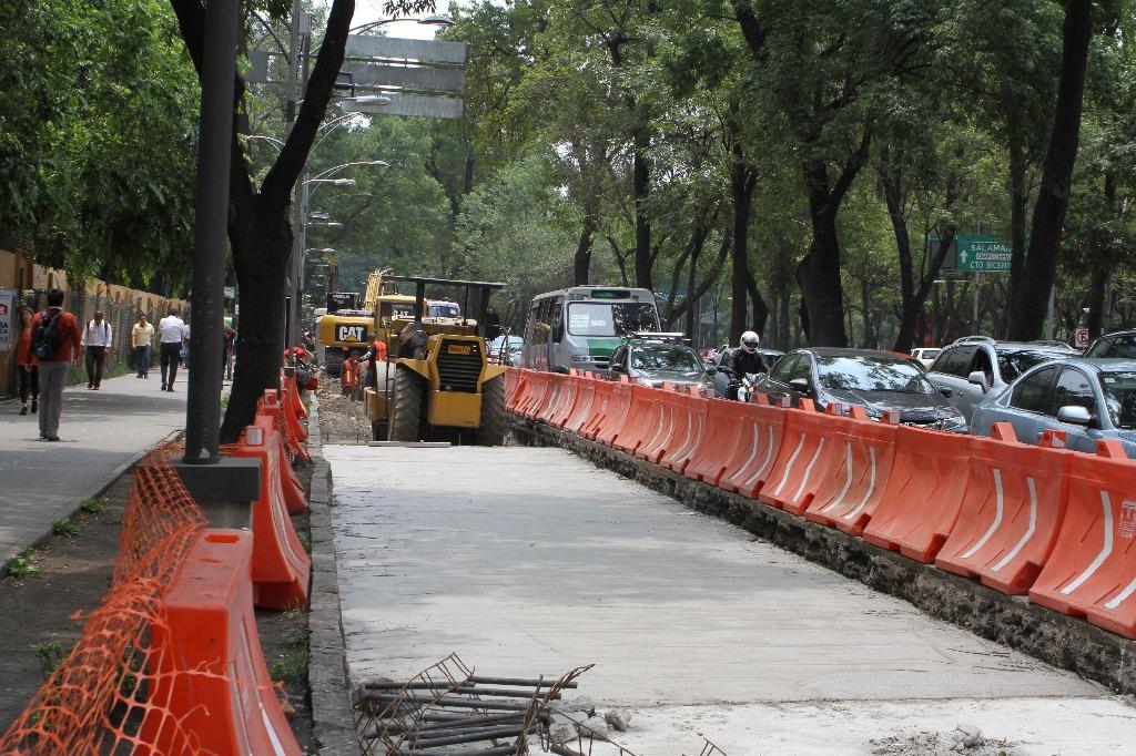 Grillas políticas futuristas enmarcan construcción de Línea 7 del ...